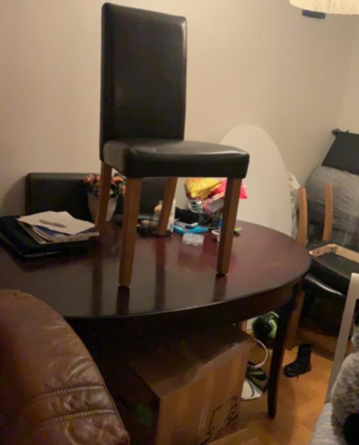 Bord och 6 Stolar