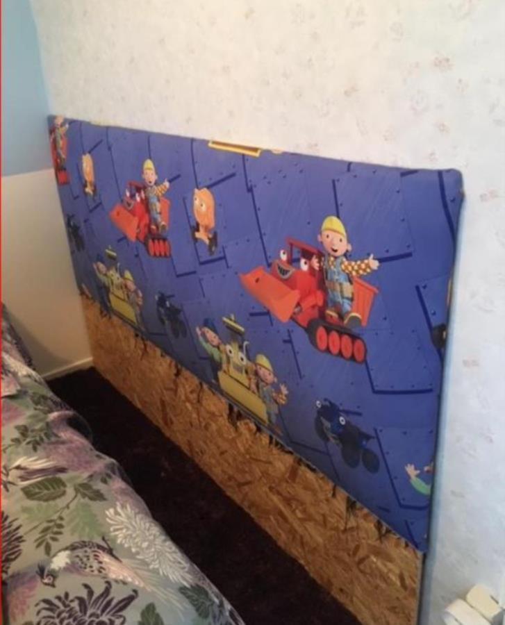 Plywoodskiva / barnsängsgavel