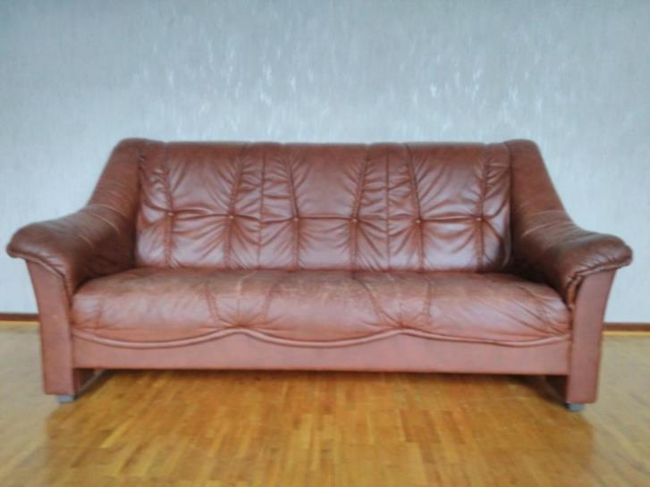 3 sits soffa brun bortskänkes
