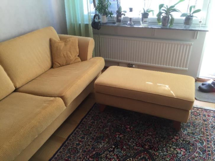 Snygg välvårdad soffa 3 sits med divan