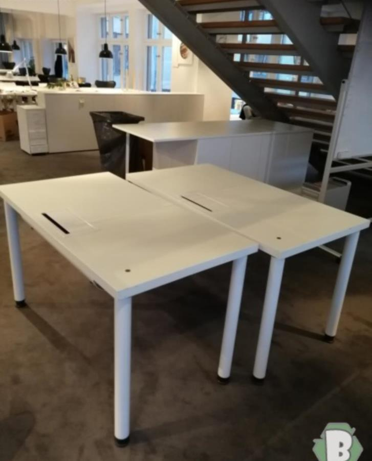 Skrivbord bortskänkes | Solna Bortskänkes.se