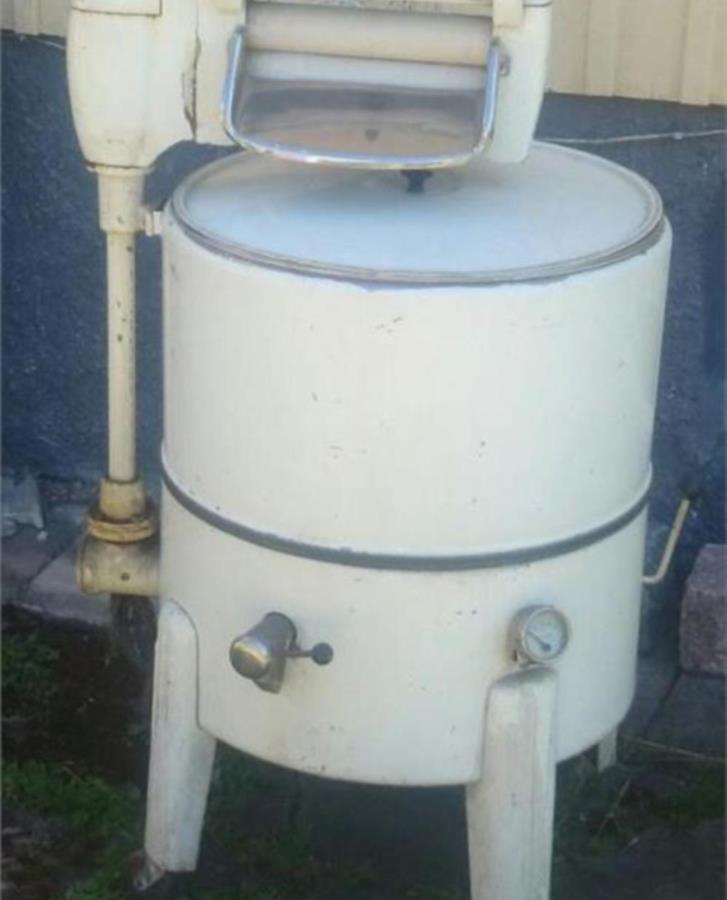 50-tals tvättmaskin med urvridare