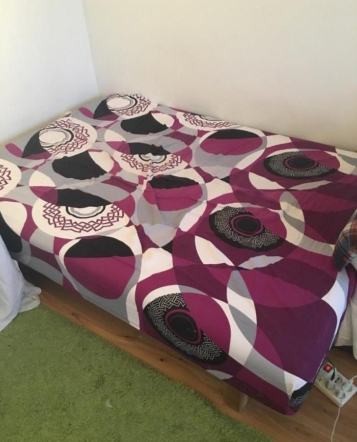 Free ikea bed 140*200