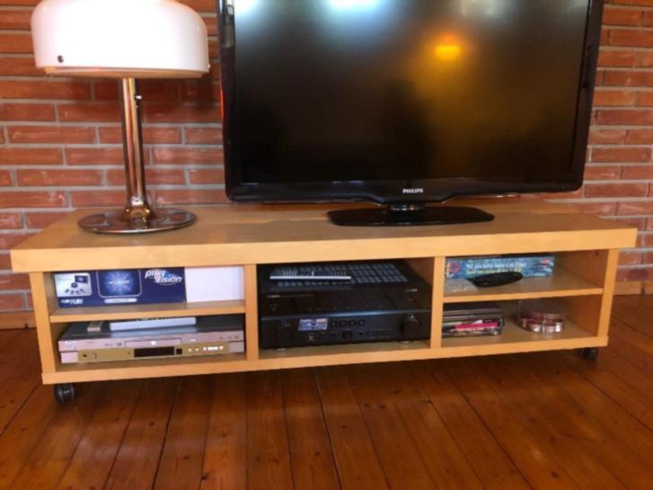 TV-bänk och soffbord IKEA