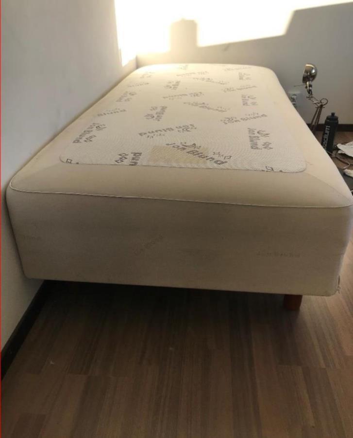 90x200 säng resårmadrass /ben John Blund