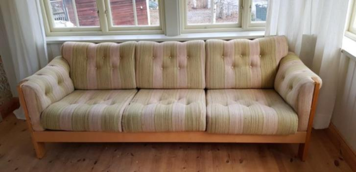 ANTIQUE SOFA / VINTAGE 1970's SOFA. Re-conditioned DONATED