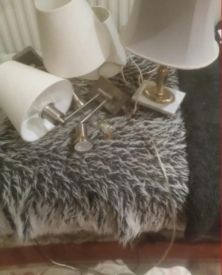 Vägg/sänglampor i par bordslampa