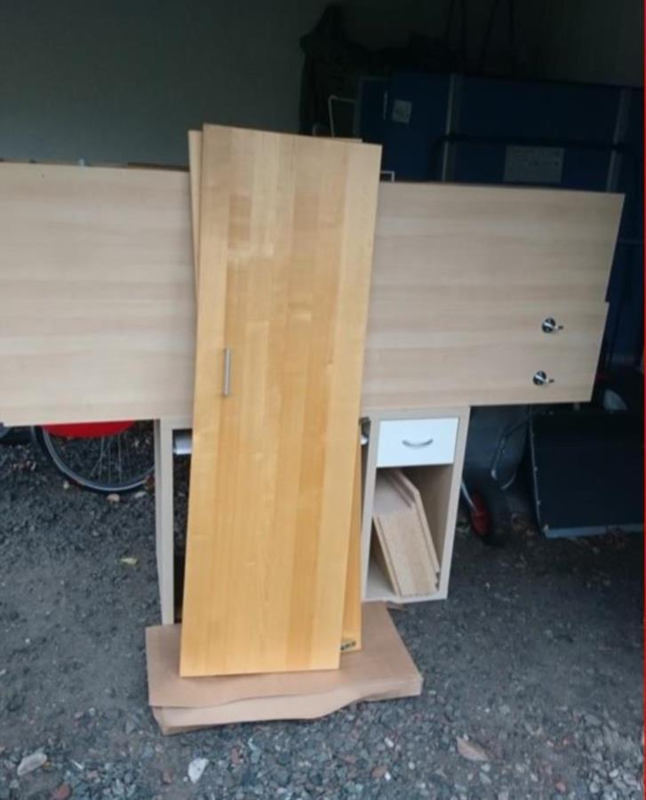Två garderober i björkfanér 50 cm x 36 cm x 202 cm