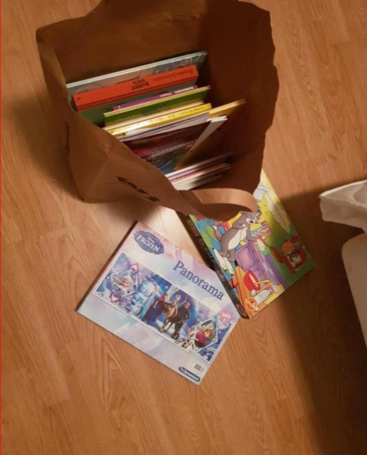 Barnböcker + 2 pussel