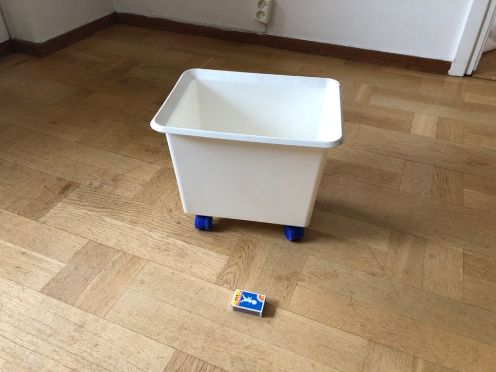 Plastlåda med hjul