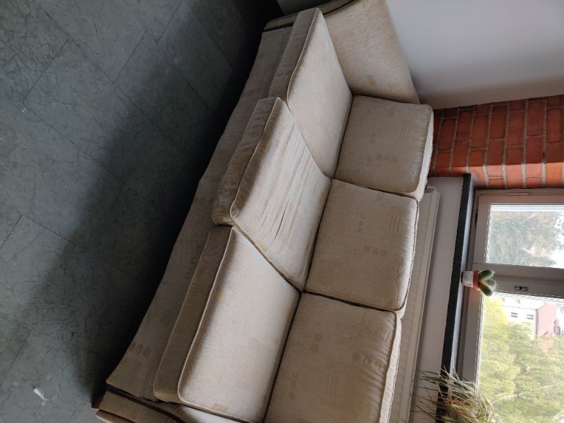 Soffa 3 sits bortskänkes