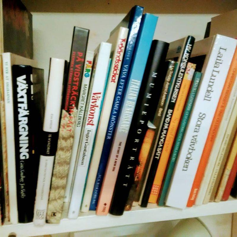 Vävstol m tillbehör & böcker