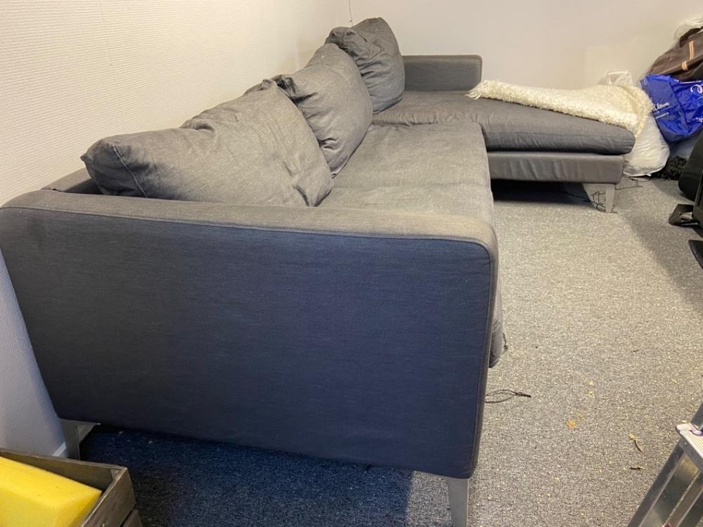 Grå soffa skänkes, delbar