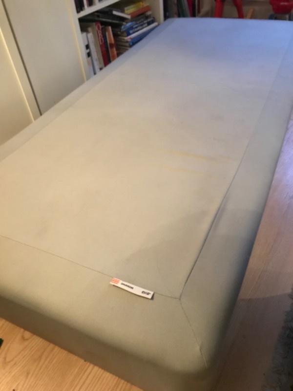 Ikea 90 säng bortskänkes mot upphämtning