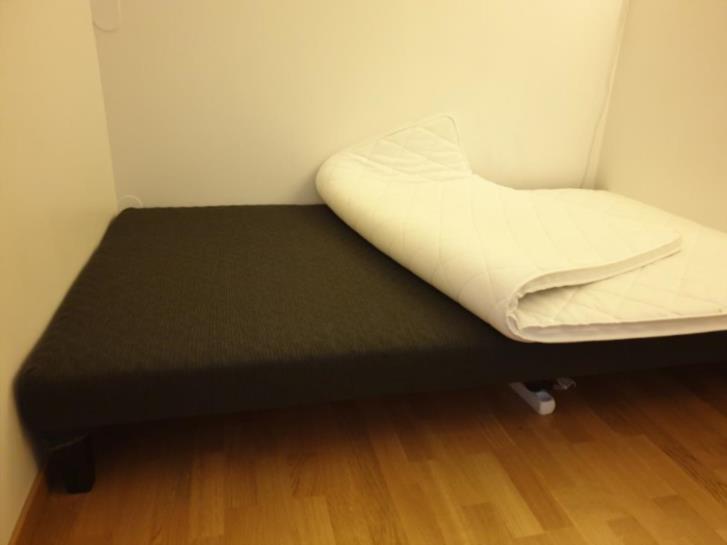 Säng / Bed