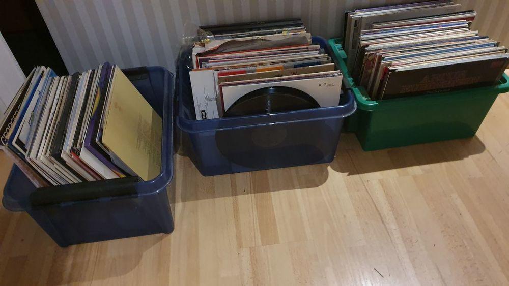 3 backar LP-skivor