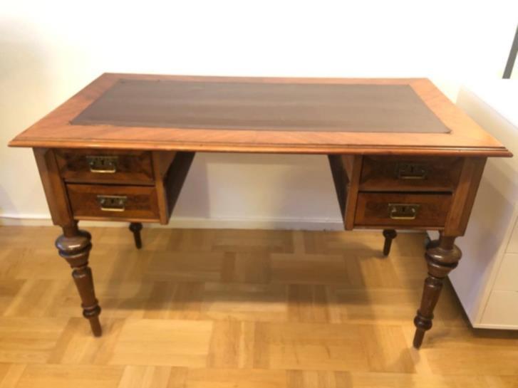 Antikt skrivbord