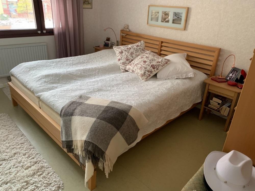 Fin IKEA säng 180x200