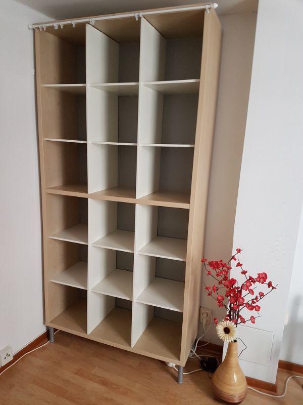 Garderob o bokhylla