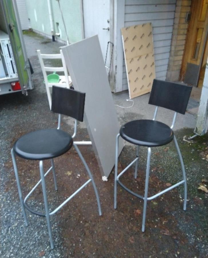 Barbord m två stolar IKEA