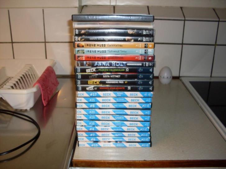 """DVD-Filmer och 14"""" äldre luxor tv"""