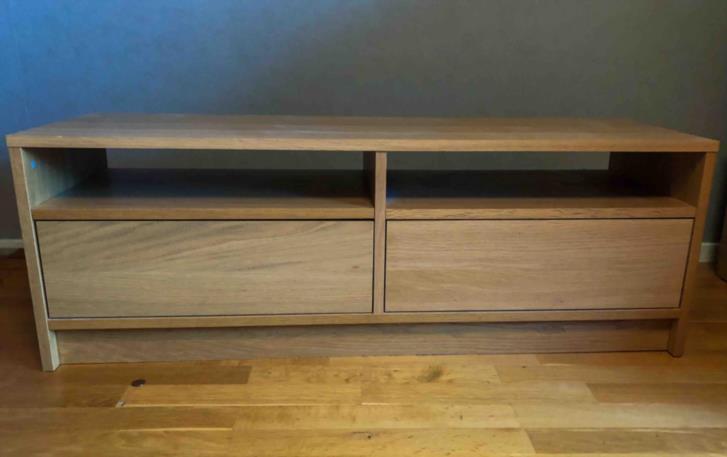 TV-bänk Ikea Benno i ek