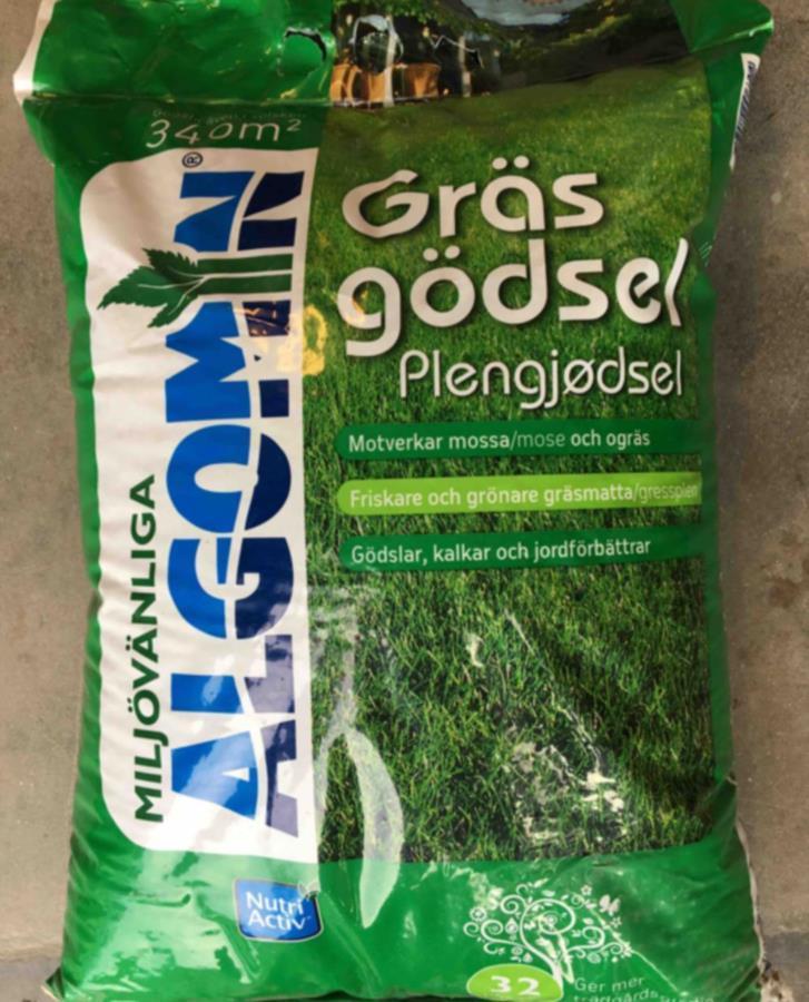 Gödning för gräsmatta
