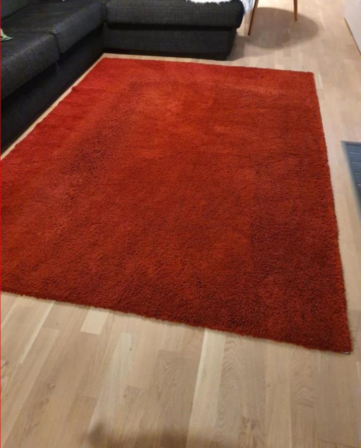 Röd ryamatta Ådum 170×140