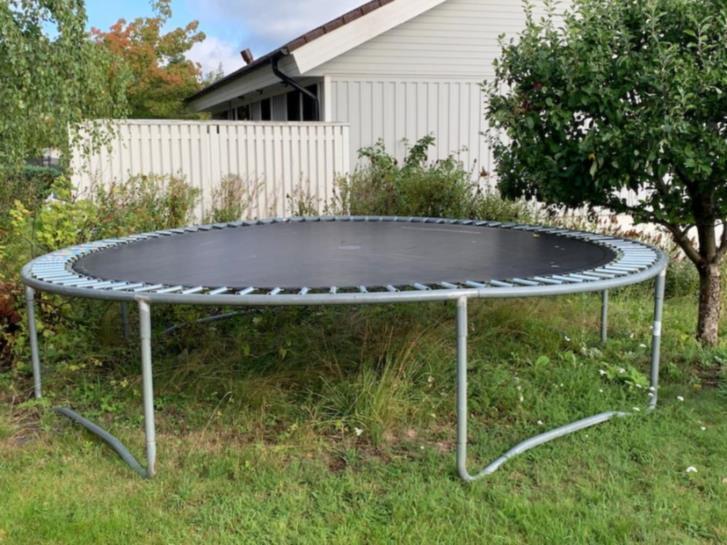 Studsmatta (4m) från trampolinspecialisten