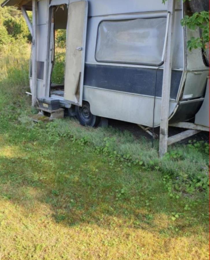 Husvagn i dåligt skick bortskänkes