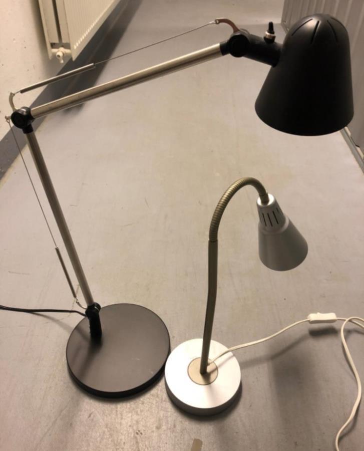 2 st skrivbordslampor