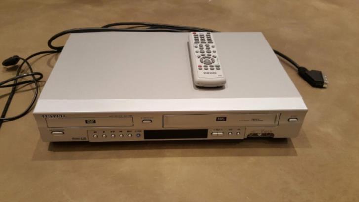 DVD+VHS-spelare