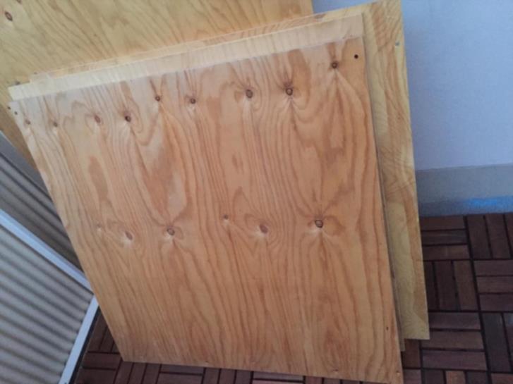 Plywood skivor