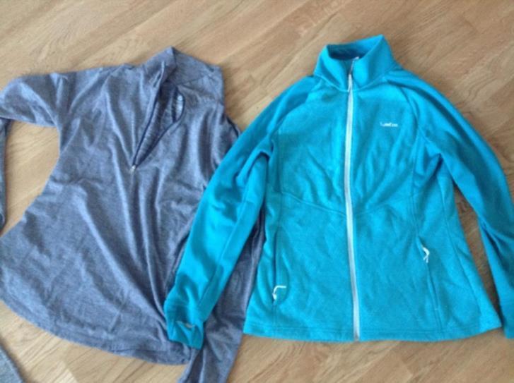 Två tröjor storlek M.